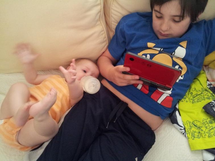 Mateo multi-tasks.