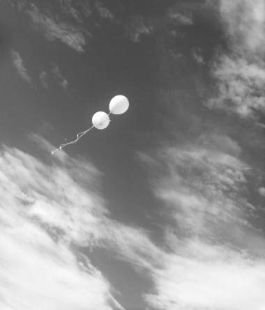 balloons_in_sky