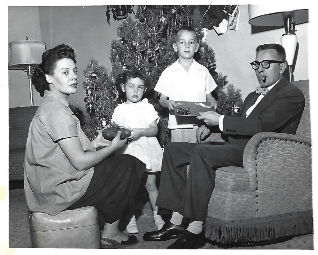 This image has an empty alt attribute; its file name is 12-december-on-18th-street-connie-3-jay-7-mom-is-pg-with-mark.jpg